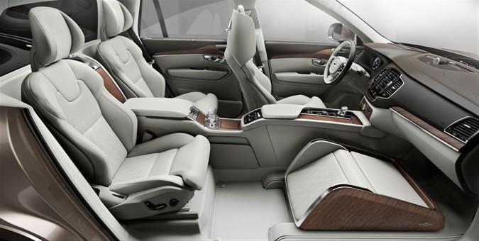 Mobil Konsep Volvo Lepas Bangku Depan untuk Footrest