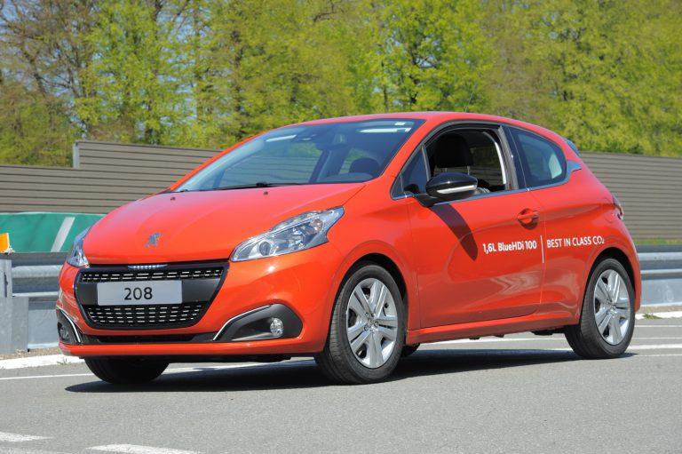 Peugeot 208 BlueHDI Pecahkan Rekor Konsumsi Bahan Bakar