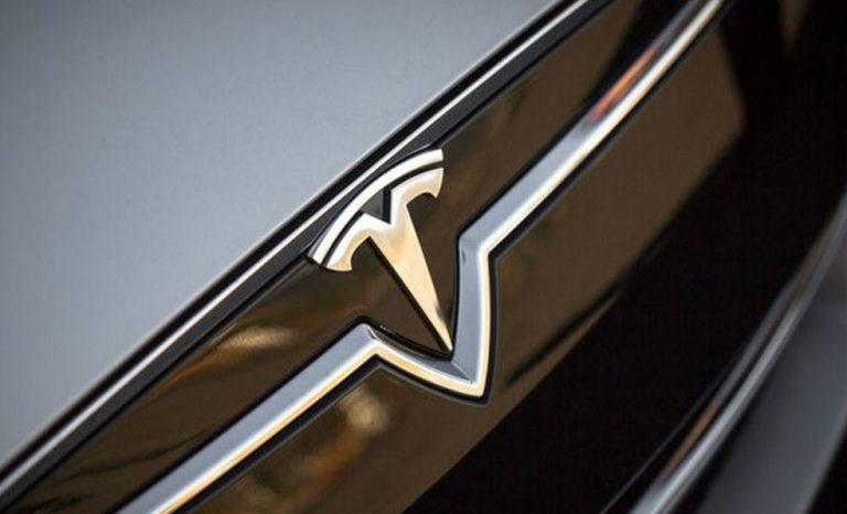 Tesla Model 3 Akan Hadir Maret 2016