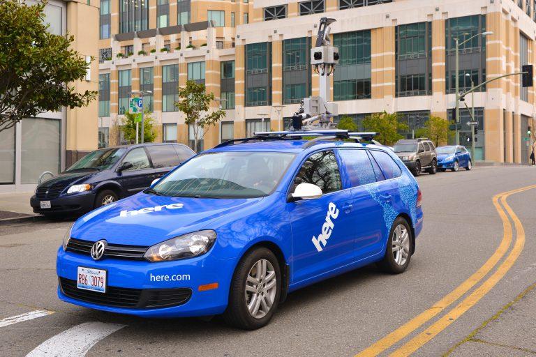 Perusahaan Otomotif dan Teknologi Bersaing untuk Mendapatkan Here Maps