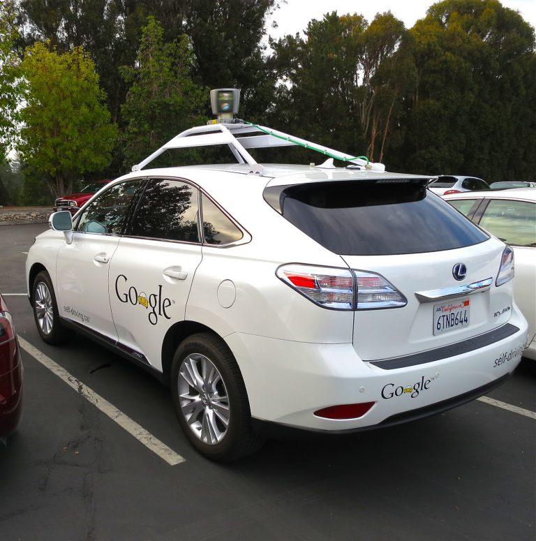 Perjalanan Mobil Google: 11 Kecelakaan Kecil Selama 6 Tahun