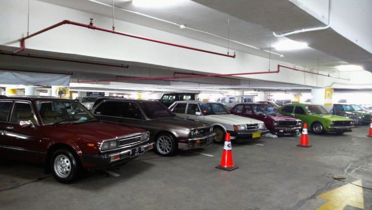 100 Mobil Klasik Meriahkan Gelaran Retro Goes to City