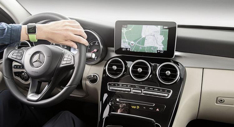 Mercedes Mengintegrasikan Apple Watch ke Sistem Navigasi Miliknya