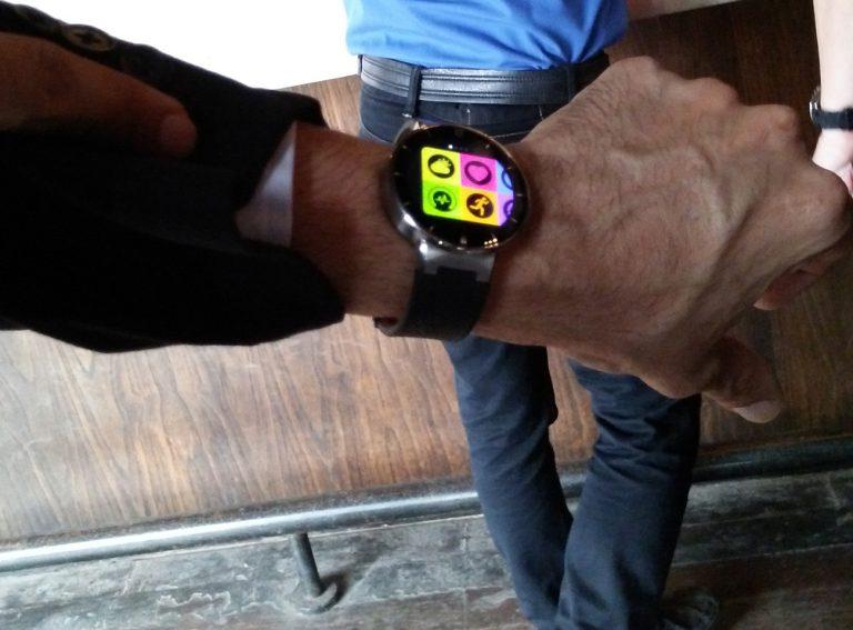 Tahun Ini, Alcatel Onetouch Smartwatch Hadir di Indonesia