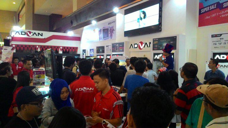 Gelegar ADVAN di Pekan Raya Jakarta 2015