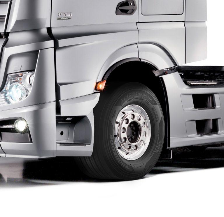 Hankook Pasok Enam Ukuran Ban untuk Mercedes Benz Actros