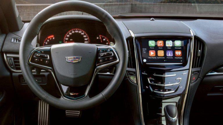 Cadillac Gunakan Apple CarPlay Lebih Dahulu Dibandingkan dengan Android Auto