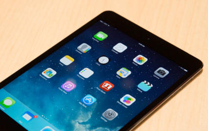 Apple dan IBM Kolaborasi Bikin iPad Khusus Manula di Jepang