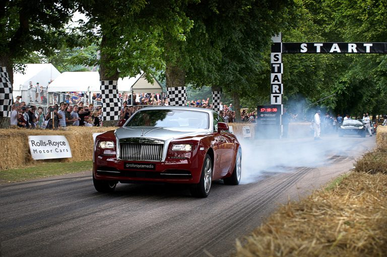 Rolls Royce Wraith Catat Rekor di Goodwood Festival of Speed