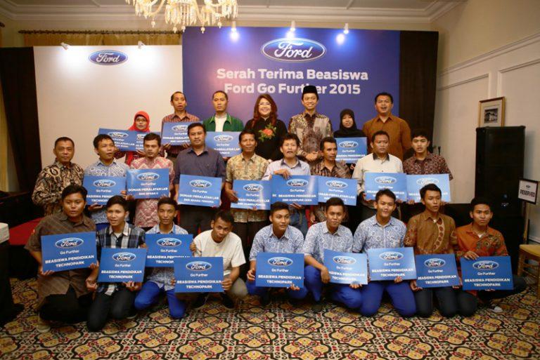 Program CSR Ford Go Further Serahkan Bantuan untuk 10 SMK di Jakarta