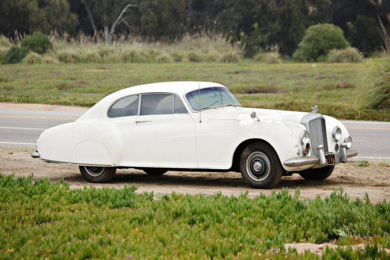 Dijual: Mobil Bentley Milik Ian Fleming