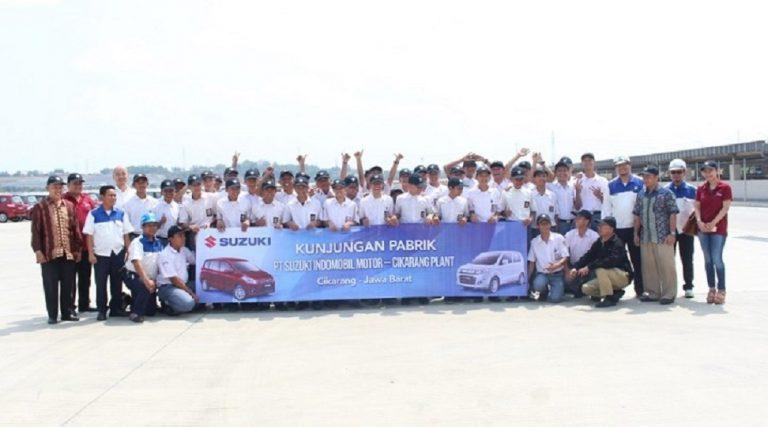Lewat GIIAS 2015 Educare, GAIKINDO Ajak Puluhan Pelajar Lihat Perakitan Mobil di Indonesia