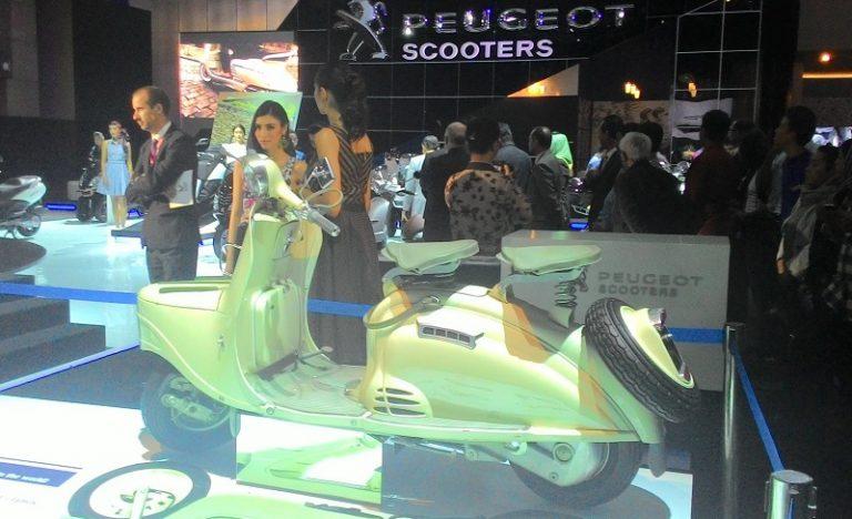 Bawa Tiga Scooter Andalannya, Peugeot Guncang IIMS 2015