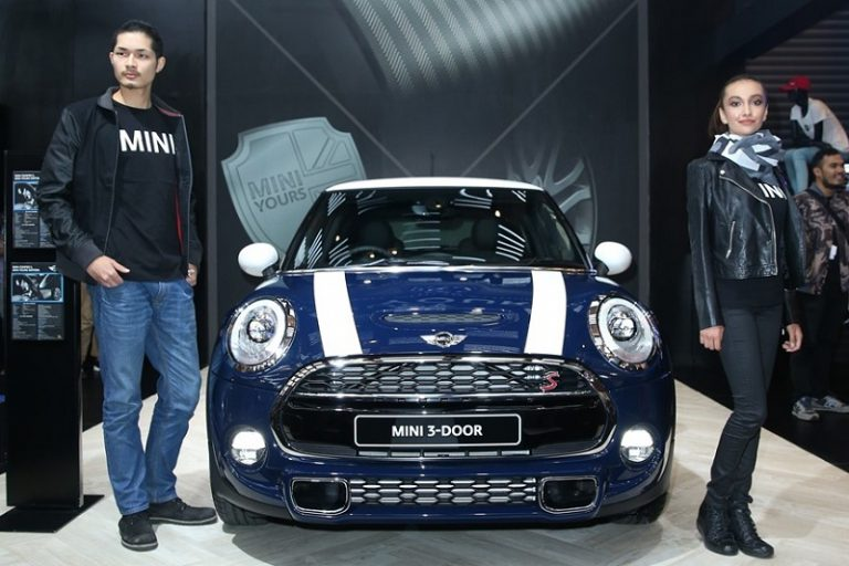 MINI Yours Edition Terbatas dan MINI NEXT Hadir di GIIAS 2015