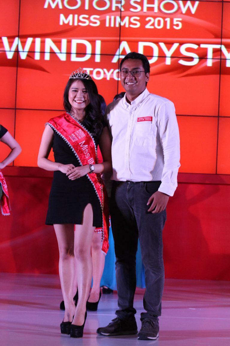 Windy Adysty Terpilih Sebagai Miss Motor Show di IIMS 2015
