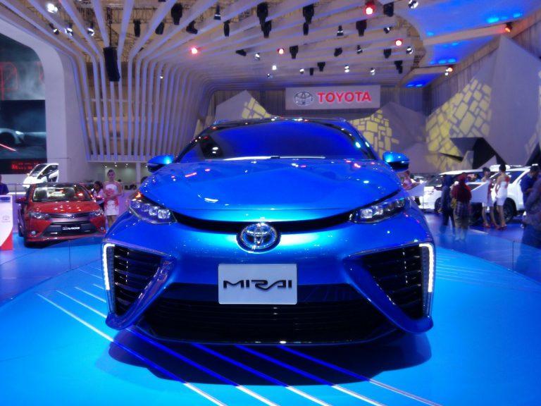 Perkenalkan Toyota Mirai, Mobil Masa Depan yang Revolusioner dan Ramah Lingkungan