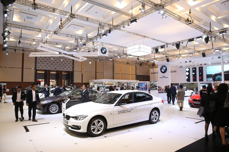 BMW Pavilion: Booth Favorit di GIIAS 2015