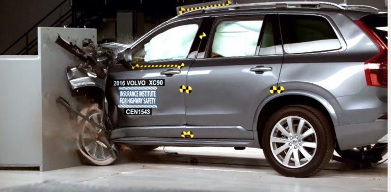 Volvo XC90 Terbaru Raih Penghargaan Top Safety Pick Plus dalam Tes Tabrakan
