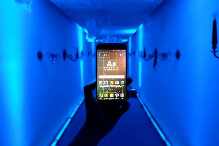Samsung Galaxy A8: Smartphone untuk Anak Muda yang Selalu Percaya Diri