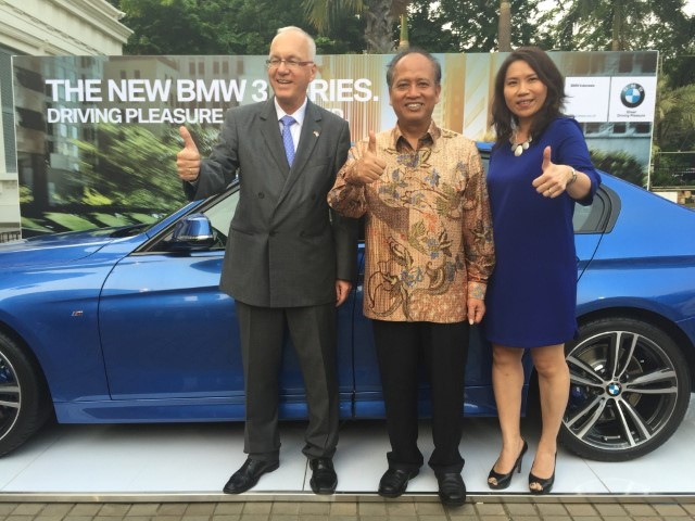 BMW Seri 3 Terbaru Tampil di German-Indonesian Science & Technology