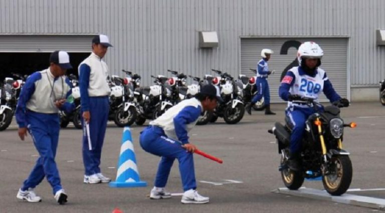 Dua Instrustur Terbaik AHM Bertarung di Kompetisi Safety Riding Kelas Internasional