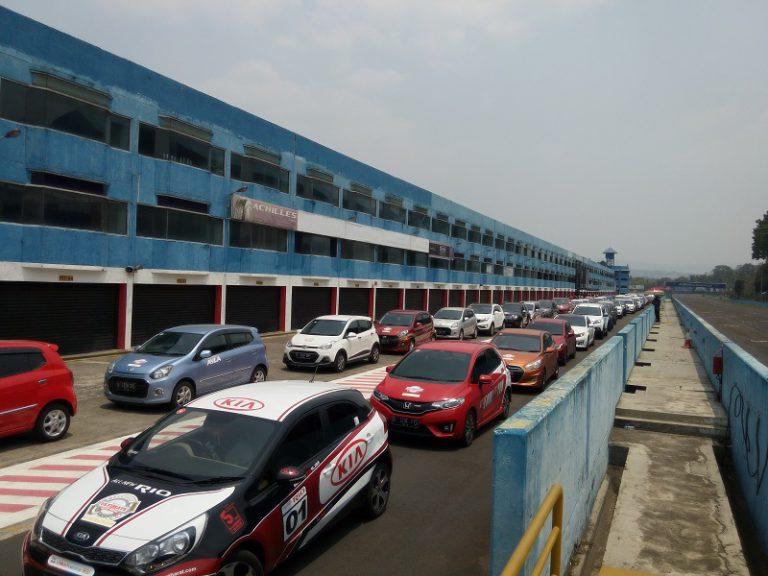 Catat Rekor MURI, Shell Gelar Test Drive dengan Jumlah Mobil Terbanyak