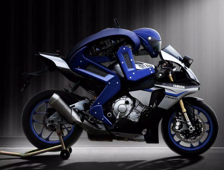 MotoBot: Robot Yamaha ini Punya Ambisi Kalahkan Valentino Rossi
