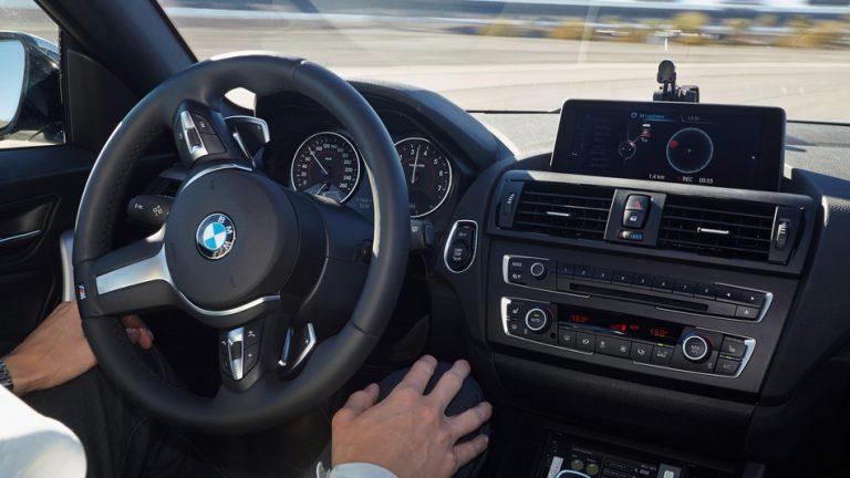 BMW Tidak Mau Terburu-Buru Adopsi Teknologi Mengemudi Otomatis
