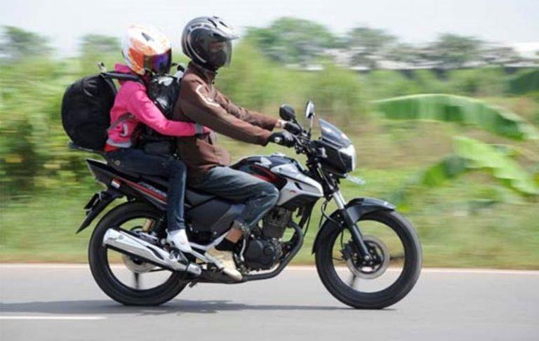 Libur Akhir Tahun, Carmudi Beri Tips Berkendara Aman dengan Sepeda Motor