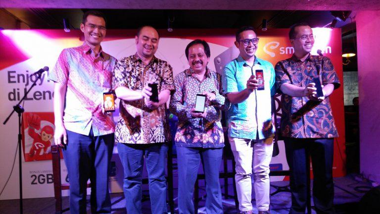 Percepat Penetrasi 4G di Indonesia, Lenovo Bergandengan Tangan dengan Smartfren