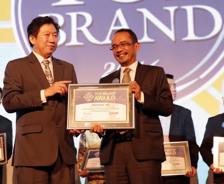 IM2 Sukses Sabet Penghargaan Top Brand Award 2016
