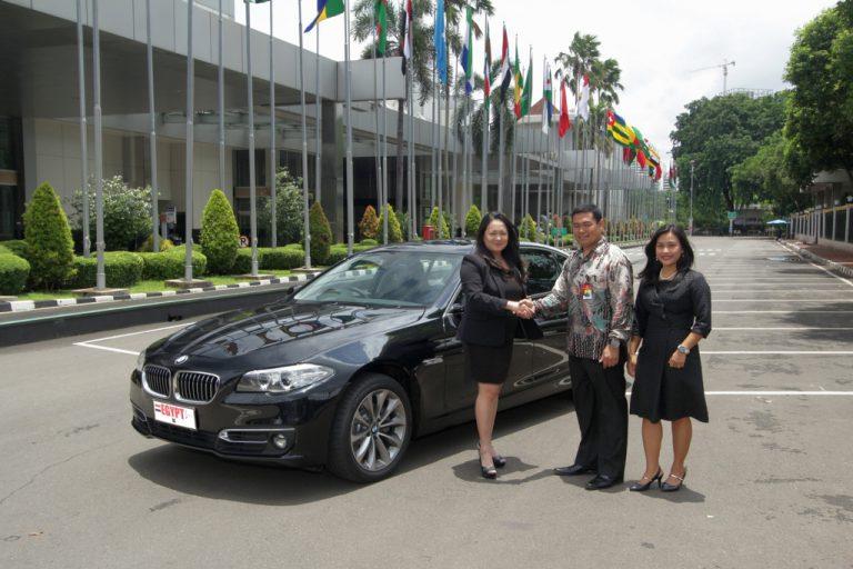 Dukung KTT Luar Biasa OKI 2016 di Jakarta, BMW Serahkan 21 Unit Sedan BMW 520d