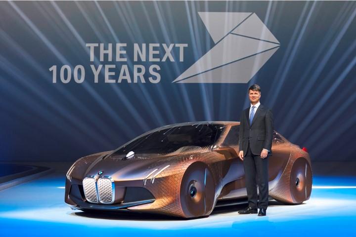 Berumur Satu Abad, BMW Fokus Pada Mobilitas Premium di Masa Depan
