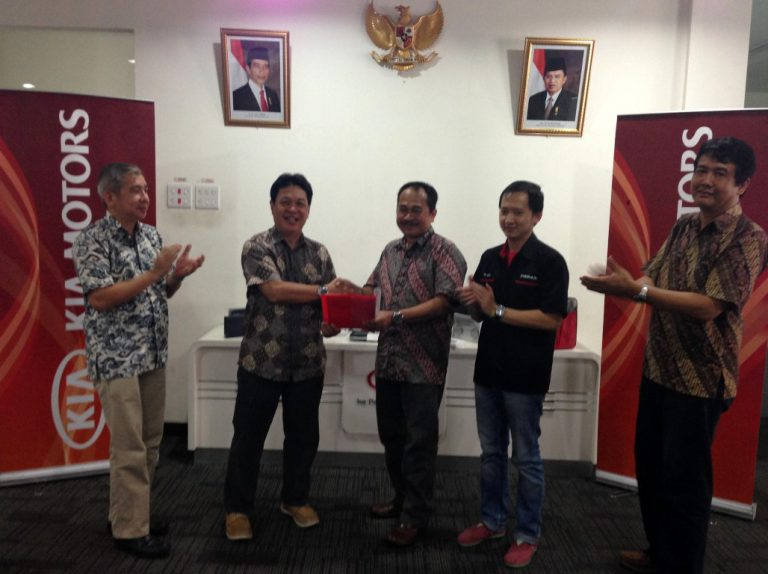 Pelanggan KIA Indonesia Terpilih dalam 'The Best Kia Global Ambassador 2015'