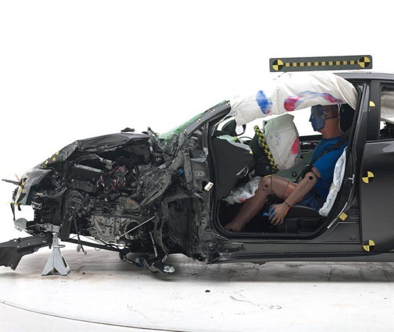 Toyota New Hybrid Prius 2016 Raih Penghargaan Top Safety Pick+ dari IIHS