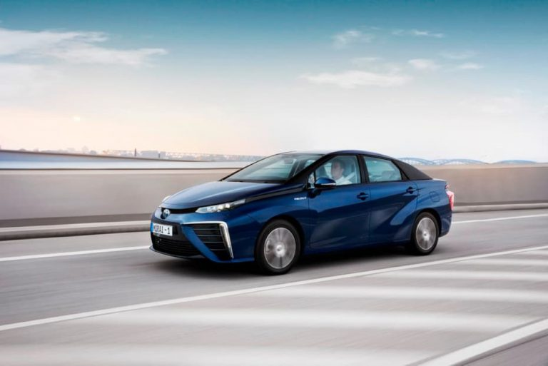 Toyota Mirai Hidrogen Berhasil Lalui Tes Jalan Sejauh 100 Ribu Km