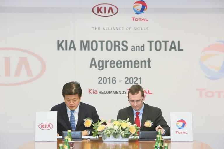 KIA Motors Perpanjang Kerjasama dengan Total