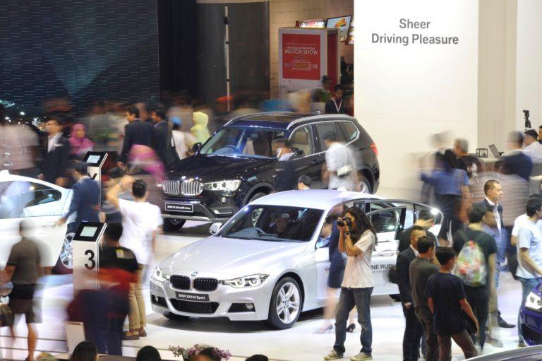 Jelang Penutupan, BMW Berikan Rangkaian Penawaran Menarik di IIMS 2016