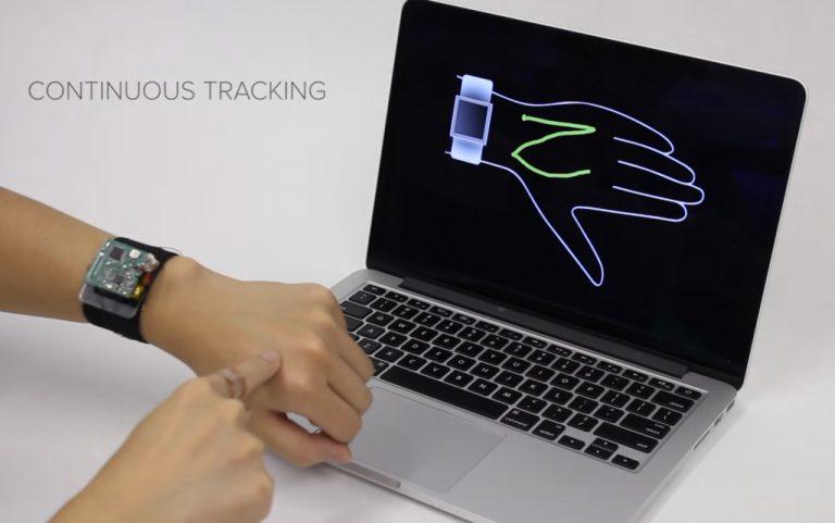 Layar Kecil Smartwatch Bukan Masalah dengan Teknologi SkinTrack