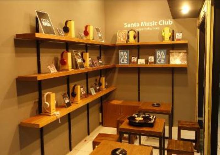 Dukung Santa Music Club, Sony Indonesia Buka Gerai Audio di Pasar Santa
