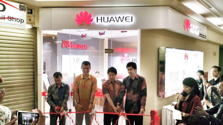 Hadirkan Service Center Eksklusif di ITC Roxy Mas, Bukti Komitemen Kuat Huawei Bagi Konsumen