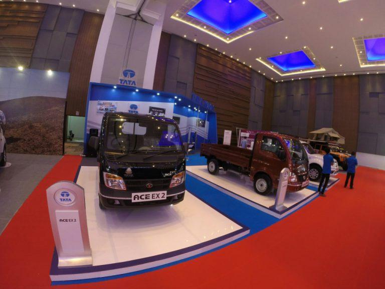 Semua Model Kendaraan Komersial Tata Motors Hadir di GIIAS Makassar Auto Show 2016