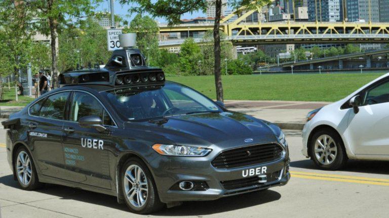 Uber Mulai Uji Mobil Otonom untuk Kurangi Angka Kecelakaan