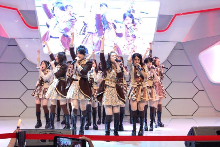 JKT48 Ramaikan Penutupan Pameran Otomotif Medan 2016