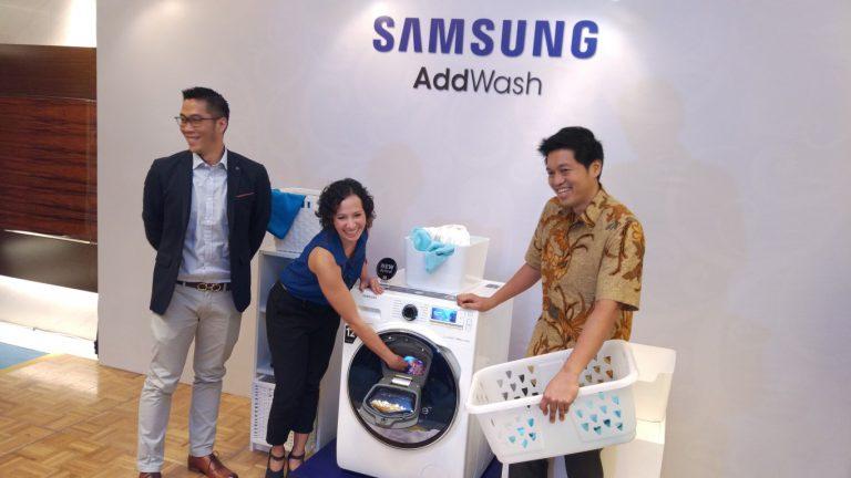 Mesin Cuci Samsung AddWash Ini Bisa Diperintah Mencuci dari Smartphone