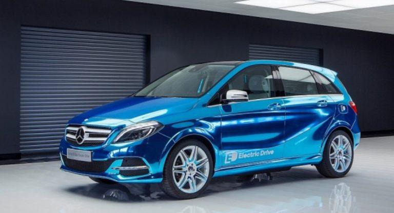 Mercedes Pamerkan SUV Listrik Pertama di Paris Motor Show?
