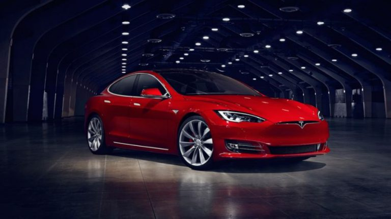 Tesla Tawarkan Model S60 dan S60D Dengan Harga Terjangkau
