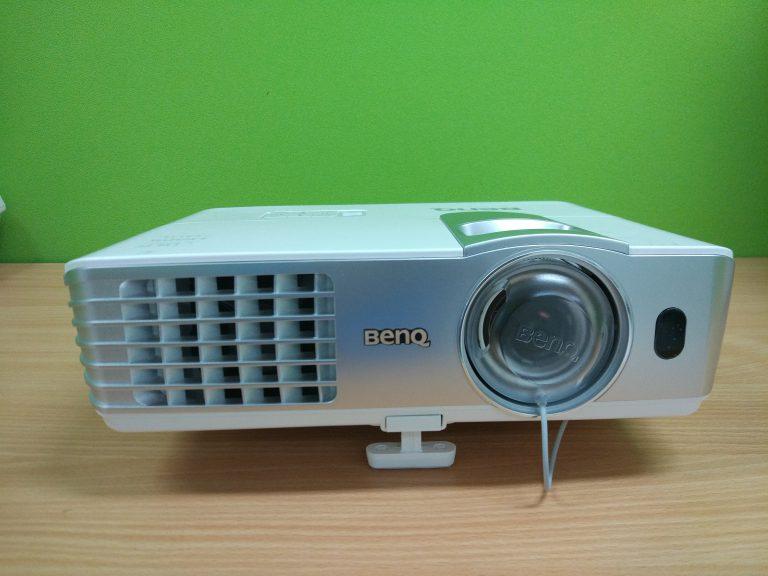 Review Projektor BenQ W1080ST+, Teman untuk Pekerjaan dan Hiburan