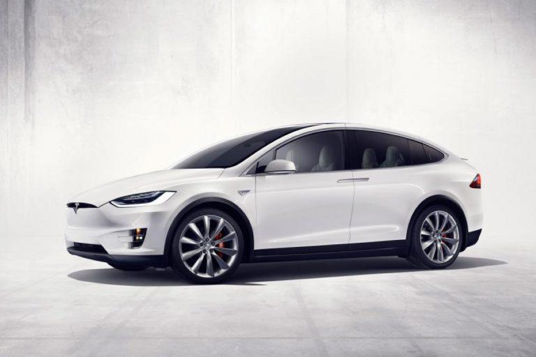 Kecelakaan Tesla Model X: Elon Musk Tetap Berdiri di Belakang Teknologi Autopilot