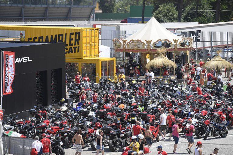 Pecah Rekor! World Ducati Week 2016 Dihadiri 81 Ribu Peserta